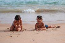 Aos Pares na praia